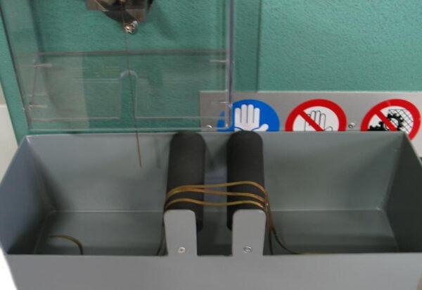 Tagliacatene per caduta con strumento digitale e stenditore